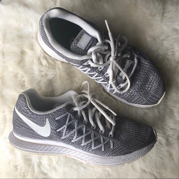 size 40 c373d c45e5 Women s Nike Zoom Pegasus 32 Sneakers. M 5c86bd45d6dc52536e5a11c6